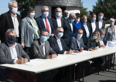 Signature du CTEau 2020-22 Syndicat Chère Don Isac